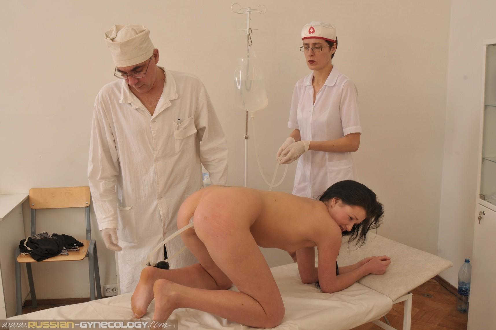 У доктора гинеколога подсмотренное, частное видео российских лесбиянок