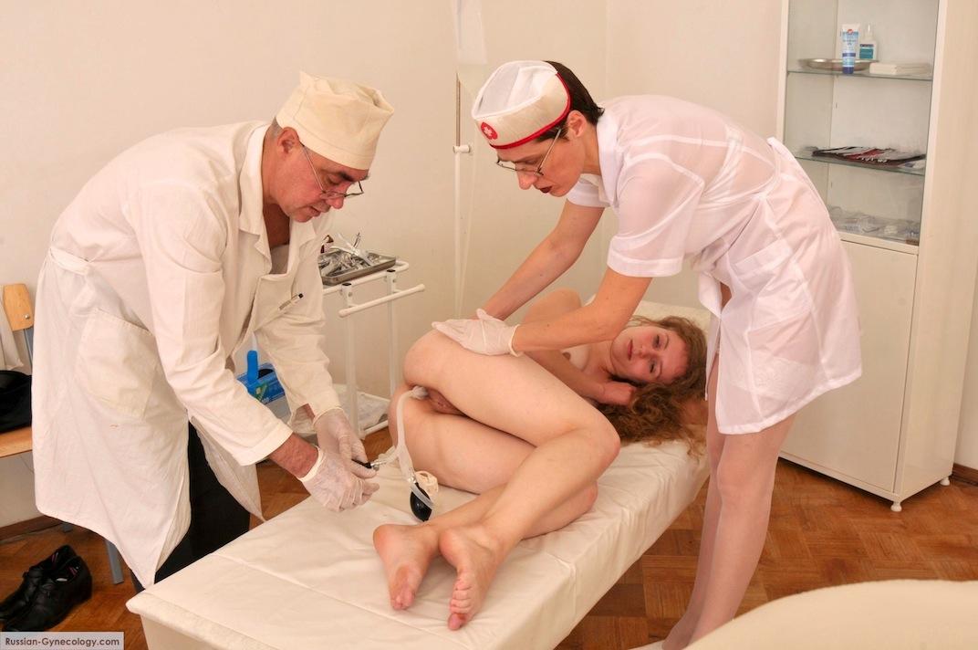 пациентку и в игра гинеколога